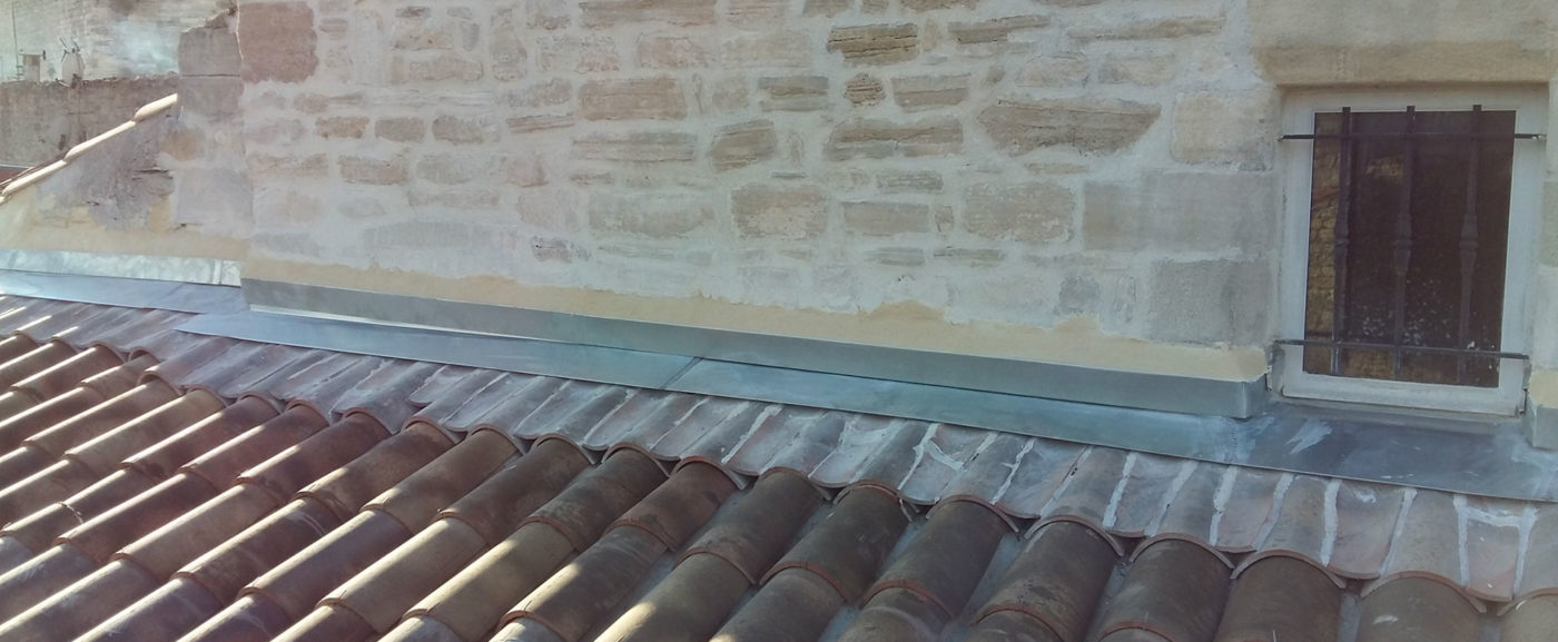 Couverture et raccord toiture zinc